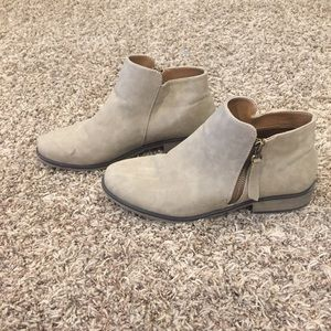 Ariat Shoes - Ariat ATS soft leather ankle boots sz42 (10.5)